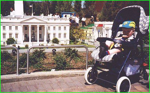 Daniel in front of The White House (?)